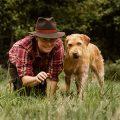 Nicole Lützenkirchen bei Ziemer & Falke: Abtauchen auf den Spuren der Waldbewohner aus Sicht des Hundes
