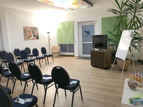 Seminarraum bestuhlt am Standort Marktheidenfeld