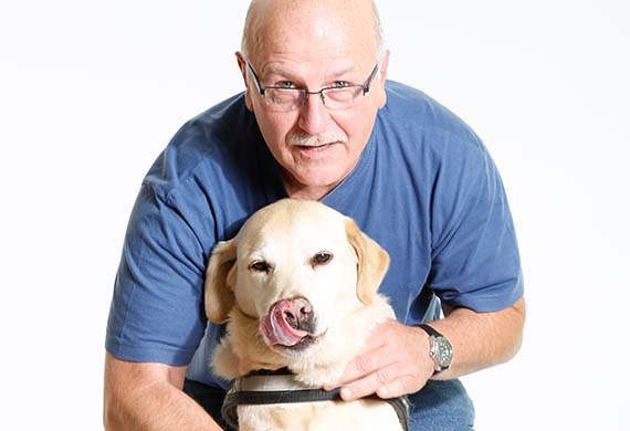 Arno Köster mit Hund Tom